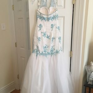 Tony Bowls Dresses - White & Blue Tony Bowls Gown
